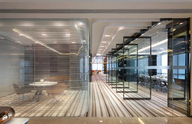 写字楼装修的装饰玻璃
